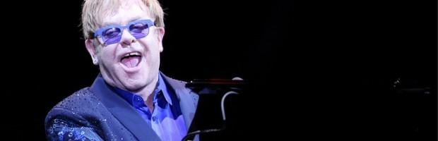 Elton John - Celebrity Hair Transplant